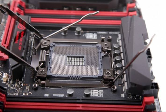 ASUS crea el OC Socket, un socket personalizado del LGA 2011-3 orientado al Overclocking