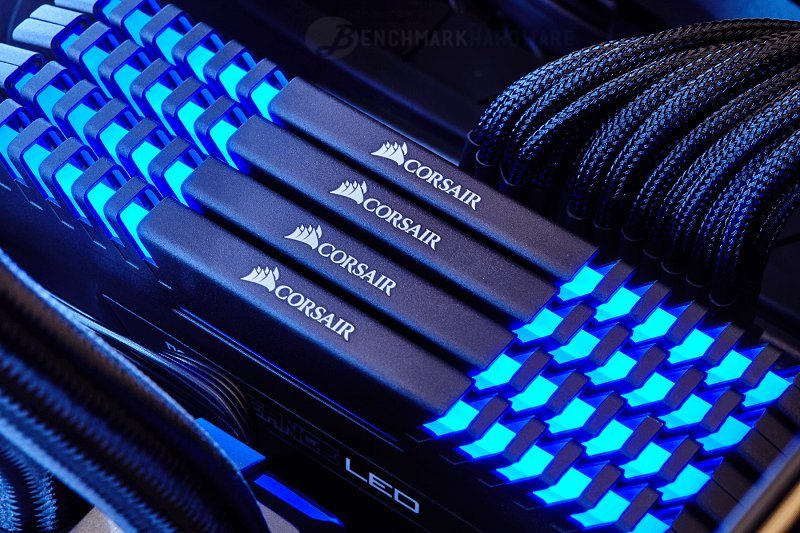 Corsair trae a la familia Vengeance LEDS azules
