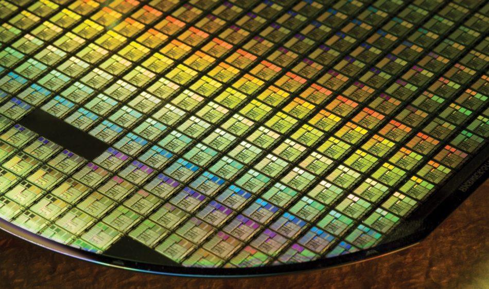 Intel anuncia la solución al aumento de precio y escasez de sus procesadores de 14nm