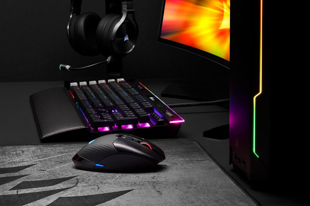 CORSAIR lanza el nuevo ratón inalámbrico para juegos DARK CORE RGB PRO
